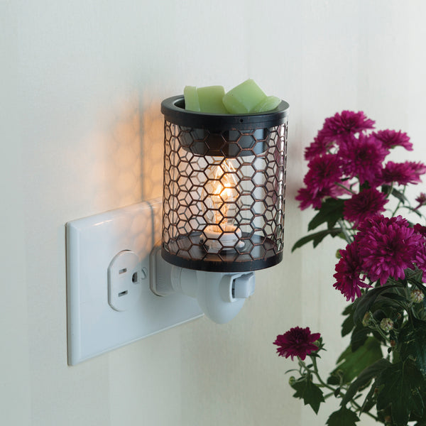 Pluggable Fragrance Warmer - Chicken Wire