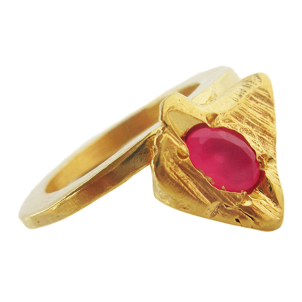 Fuchsia Arrow Ring