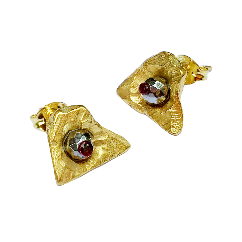 Star Stega Ruby Earrings