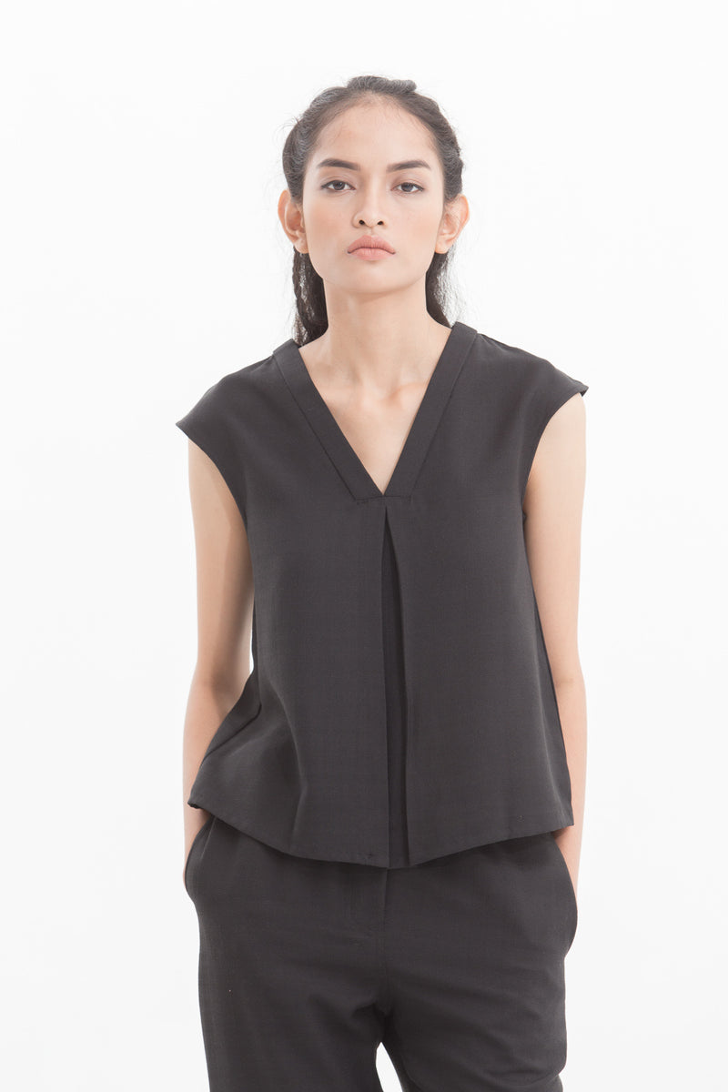 Black Peslin Sleeveless Top