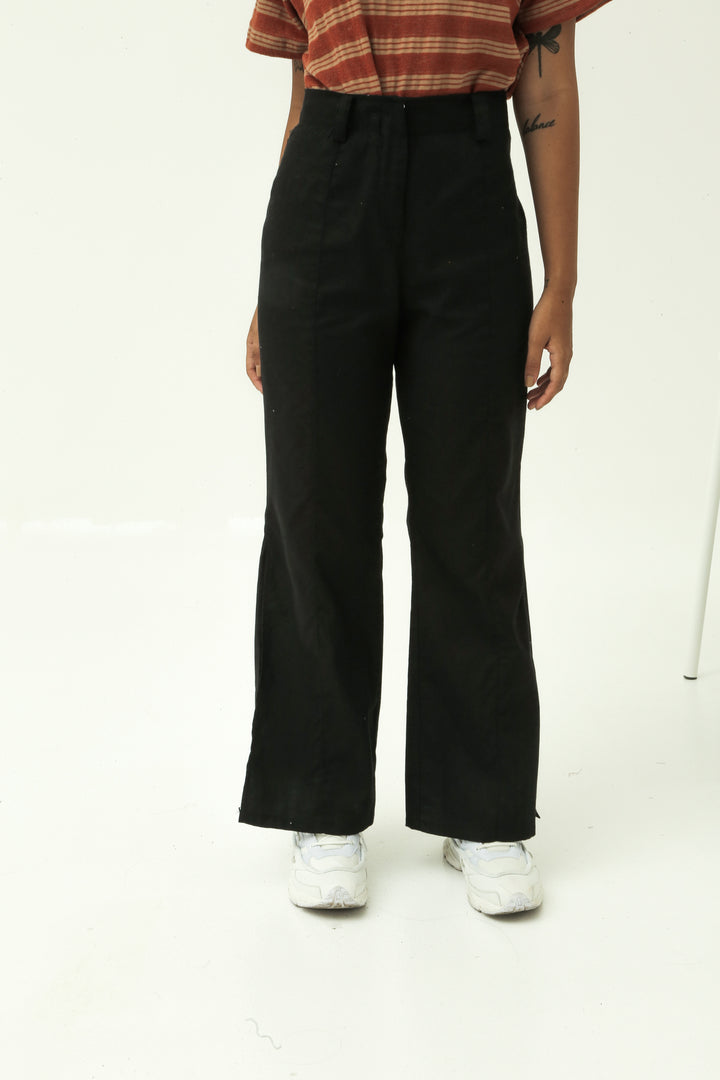 Sentak Linen Pants in Black
