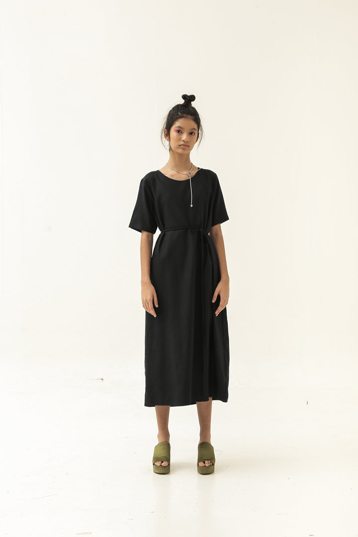 Putar Short Sleeve Dress in Dark Blue