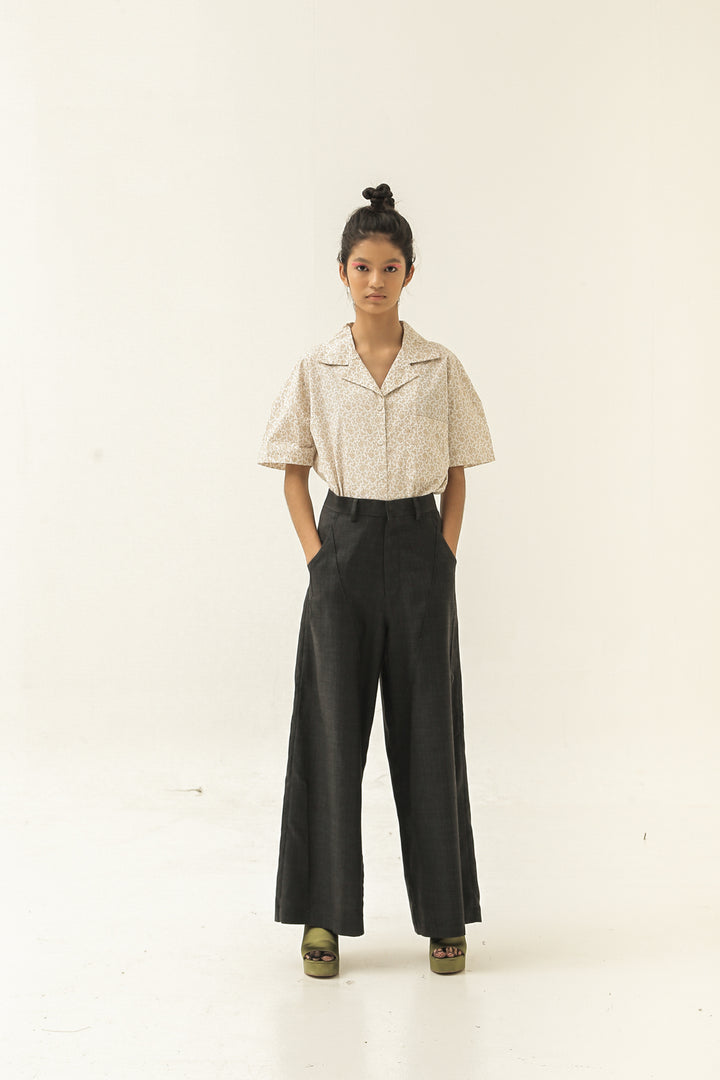 Kupnat Pants in Very Dark Grey