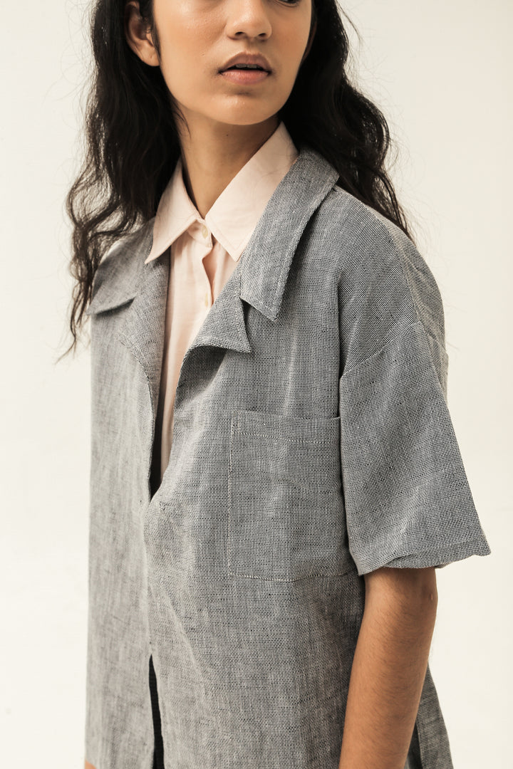 Purata Short Sleeve Jacket in Grey