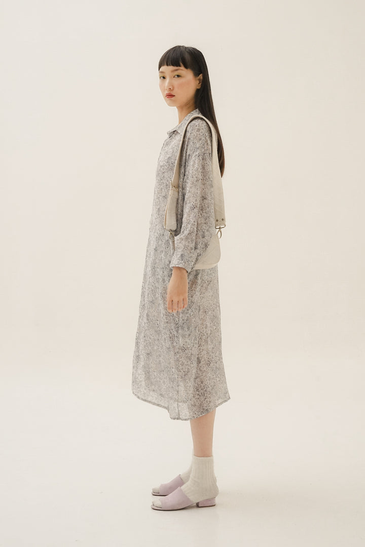 Senja Long Overlay Shirt in Winter Blue Flower