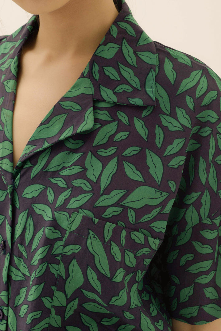Santai Shirt in Green Lippy