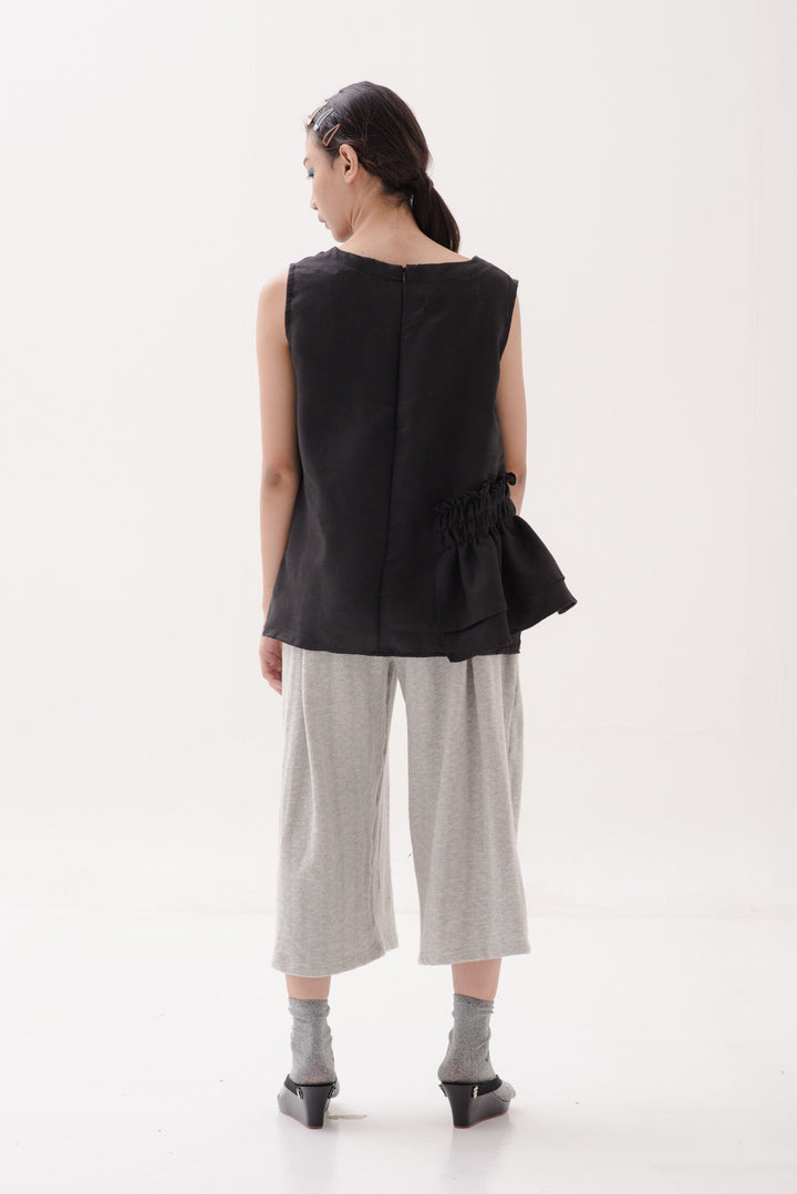 A.R.T Sleeveless Tank in Brushed Black