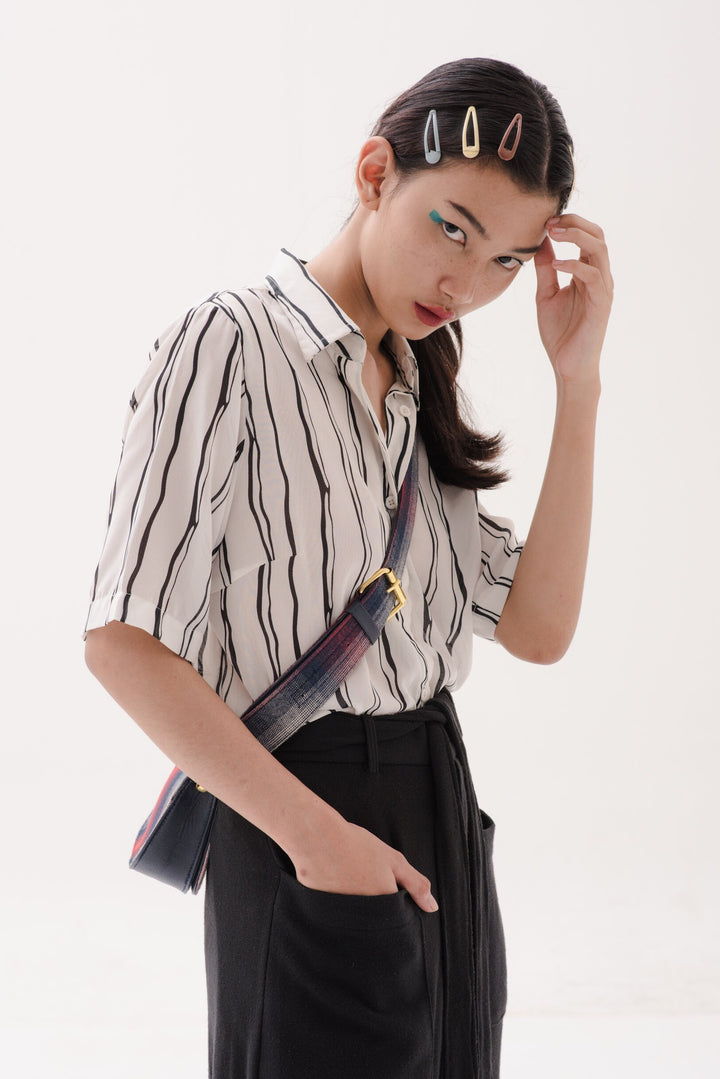 Nona Shirt in Black Lines