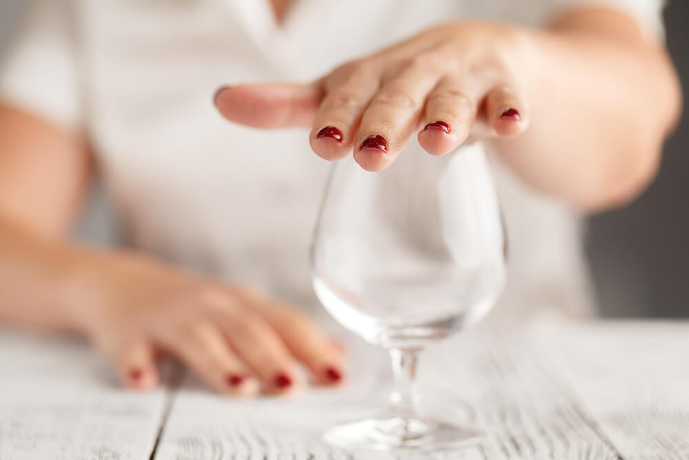 does alcohol cause premature aging