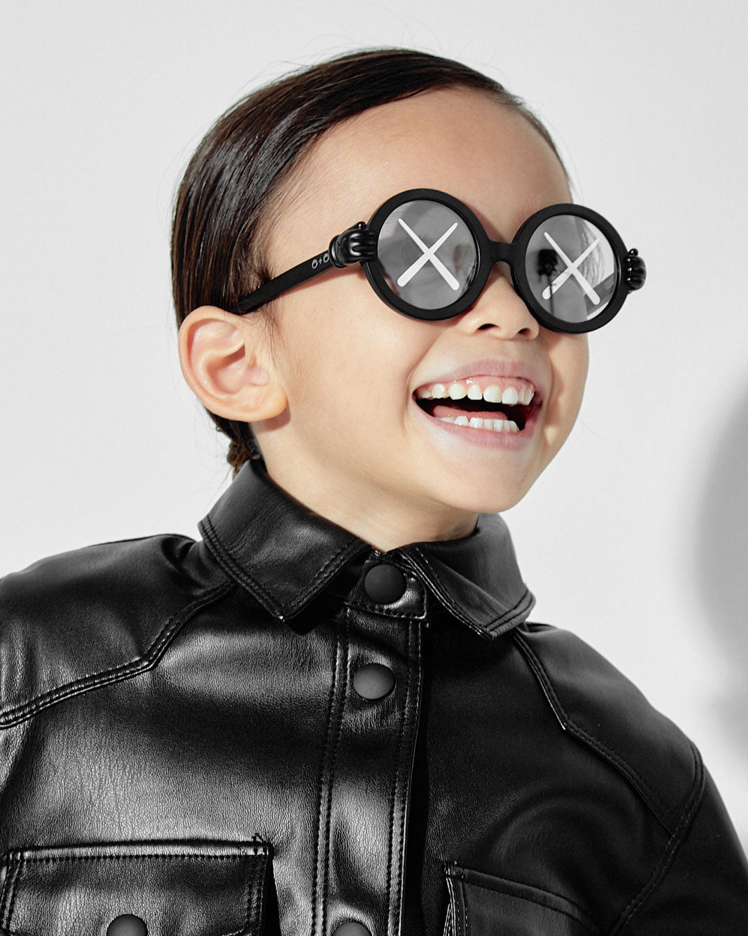 Sons_and_Daughters_Eyewear_Campaign_2020_KAWS_Childrens_Kids_Sunglasses