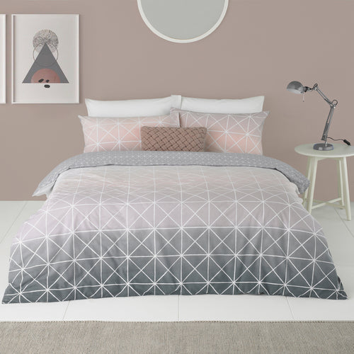 Image of the Spectrum Geometric Gradient Duvet Cover Set | Pink | furn.