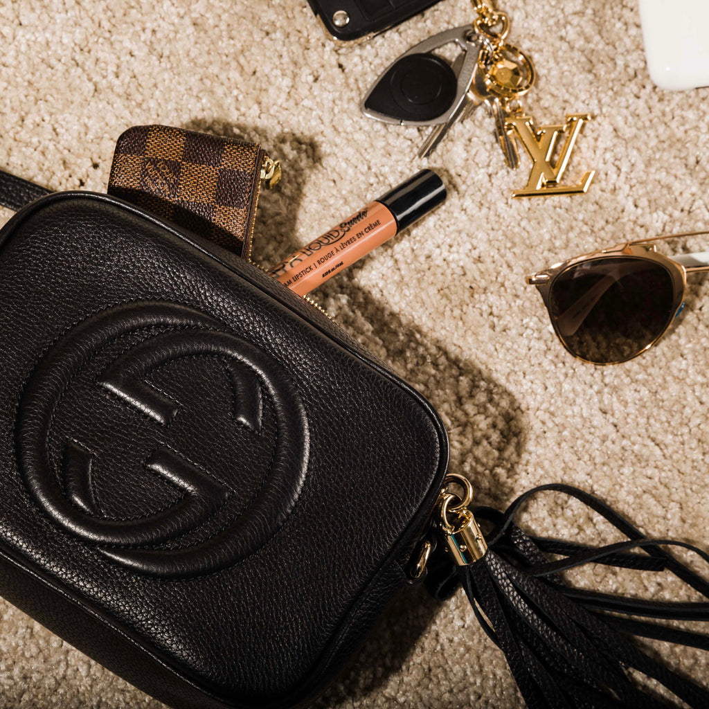 What Fits In The Gucci Soho Disco Bag Bagista Its Obvious Good Looks Aside If Youre Kind Of Woman Who Needs To Carry Pretty Much Everything She Owns With Her Throughout Day This Is Not