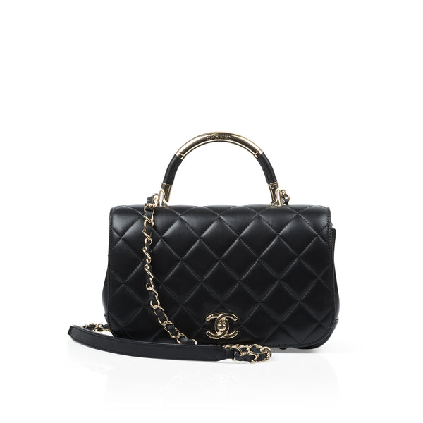 Chic Carry Flap Bag