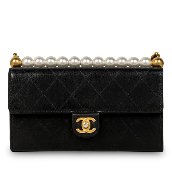 Chic Pearl Wallet on Chain