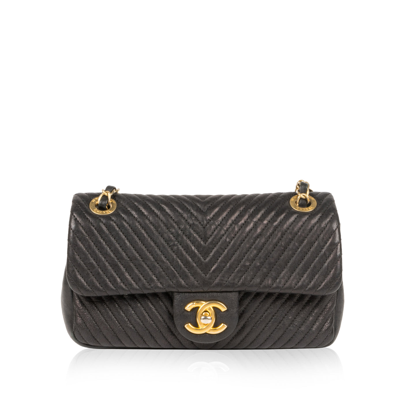 ffba8d9b45f0bb Chanel - Chevron Single Flap Bag - Aged Gold Hardware - Pre-Loved ...