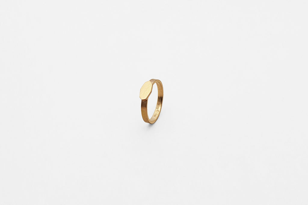 Ring, oval