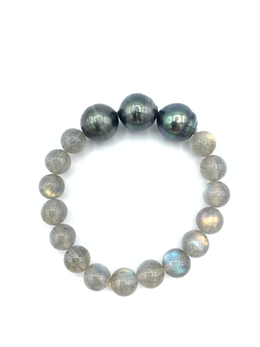 Three Pearls & Gray Bracelet