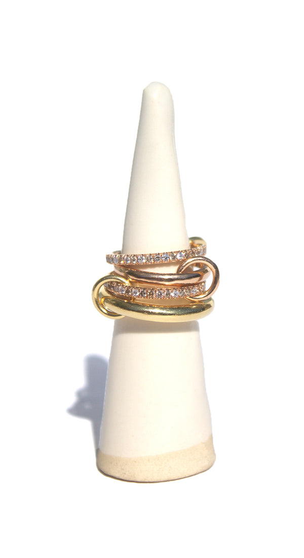 4 linked rings in 18k rose and yellow gold with mixed gold connectors and micro pave cognac, champagne and white diamonds, 1.6ct