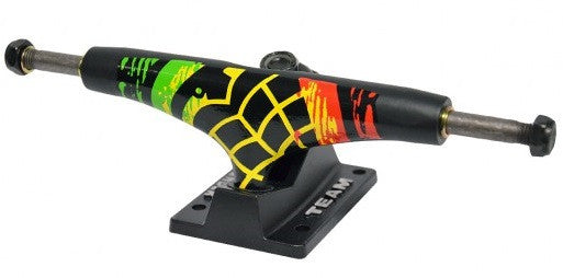 Thunder Trench Town High - Black/Rasta - 145mm - Skateboard Trucks (Set of 2)