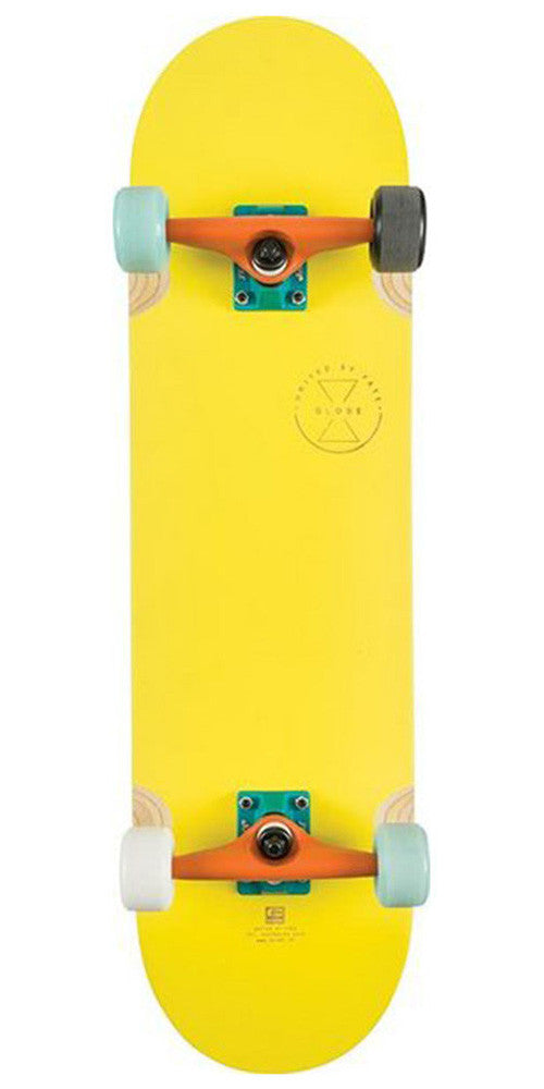 Globe Banshee - Yellow/Palms - 8.375in x 32.56in - Complete Skateboard