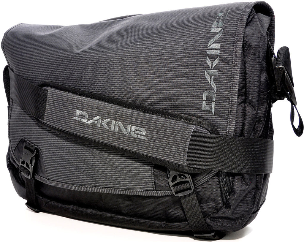 Dakine Messenger LG 23L - Black - Messenger