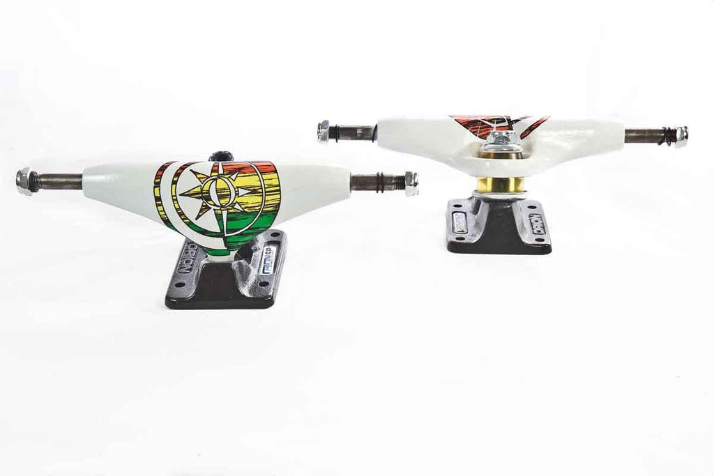 Orion Superior - White/Black - 130mm - Skateboard Trucks (Set of 2)
