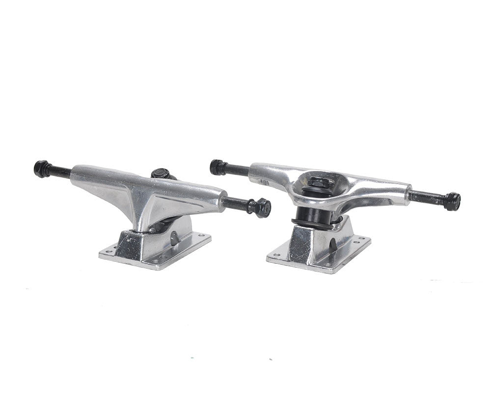 Action Village Toro - Silver/Silver - 7.5in - Skateboard Trucks (Set of 2)