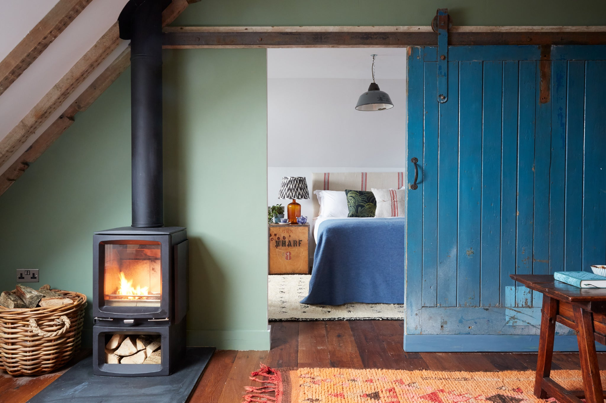 Cosy Loft Apartment with wood burner in Penzance