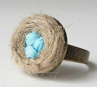 Amazing Jewelry Ring 22 - Blue Eggs in a Nest Ring