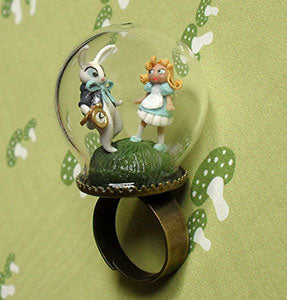 Amazing Jewelry Ring 34 - Alice In Wonderland Ring