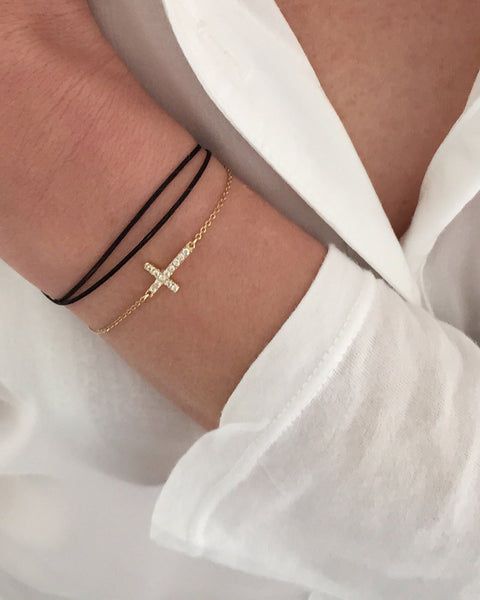 Dafne Bracelet Black With Pave Cross On