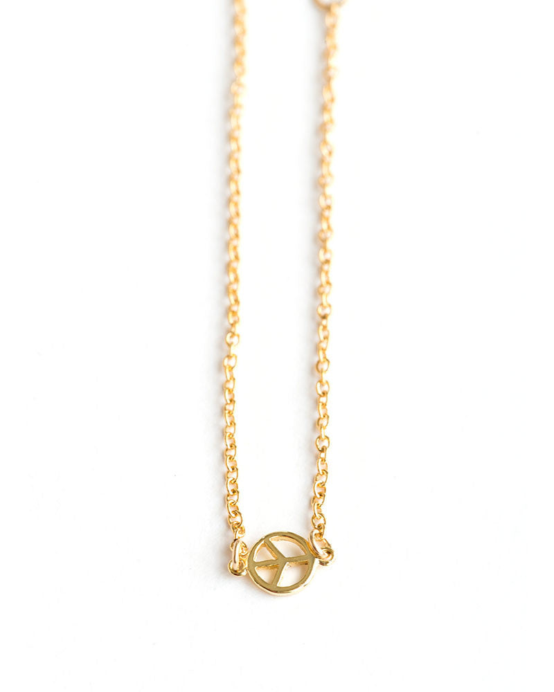 Meridian Avenue Mini Peace Sign Bracelet
