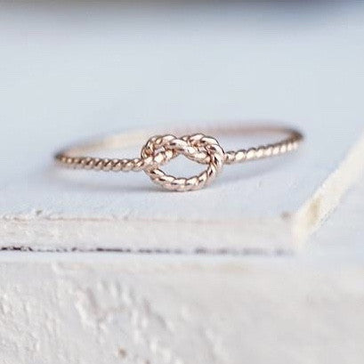 Twisted Love Knot Ring in 14k Gold-LUXURING