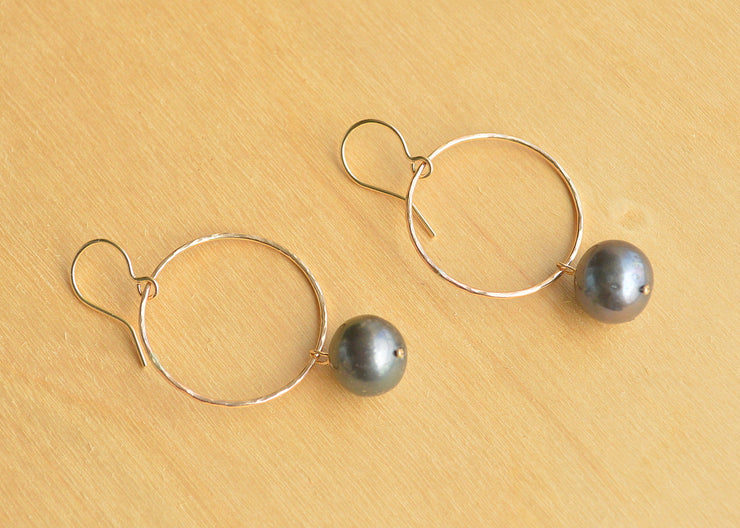 Black Pearl Hoop Earrings - Small - Yay Hawaii