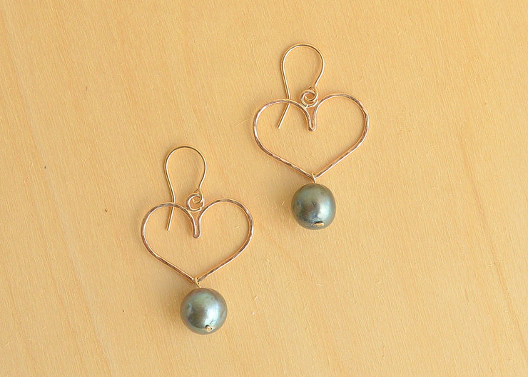 Black Pearl Heart Earrings - Small - Yay Hawaii