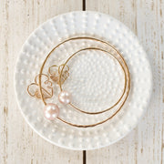 Keiki Edison Pearl Bangle with Monstera Charm - Yay Hawaii