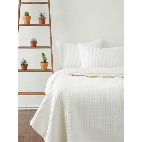 CATALINA LINEN QUILT & SHAMS