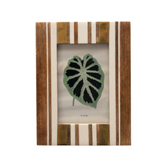 RESIN STRIPED PHOTO FRAME