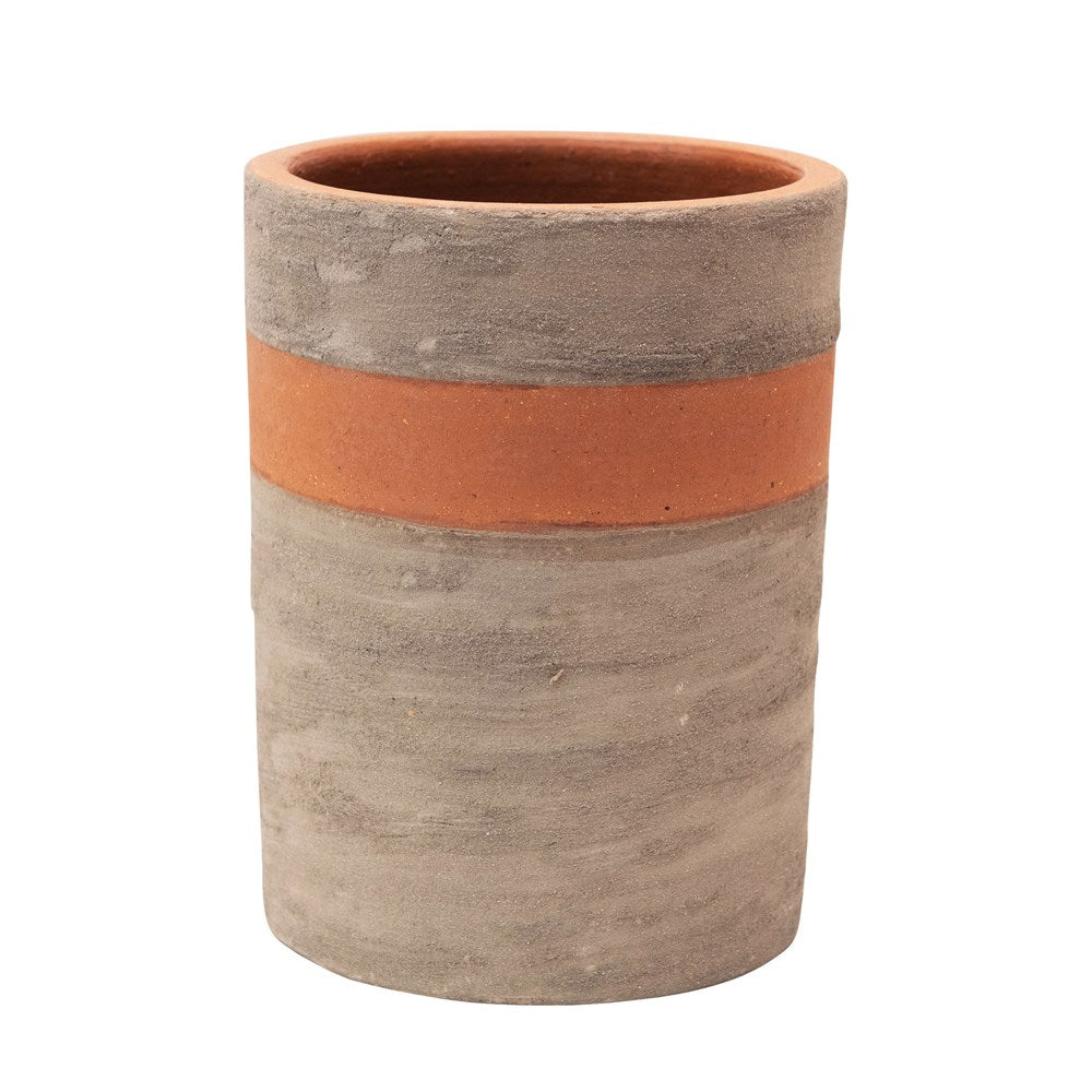TWO-TONE TERRA-COTTA + CEMENT PLANTERS