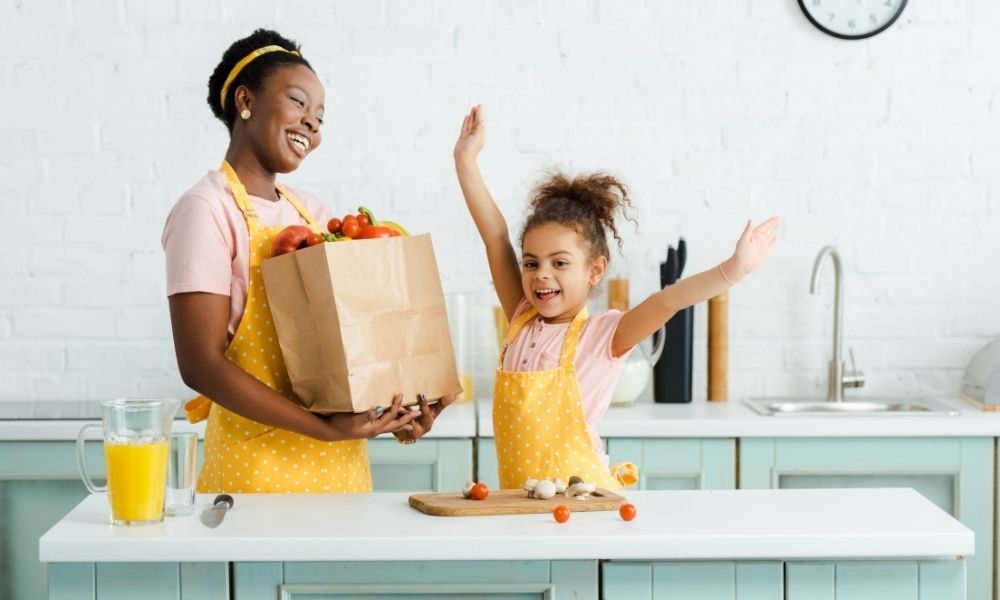 How To Encourage Healthy Snacking: 5 Kid-Friendly Tips