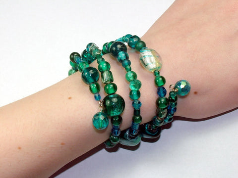 4 Strand Glass lampwork bead, crystal bead Memory Wire Bracelet, Teals