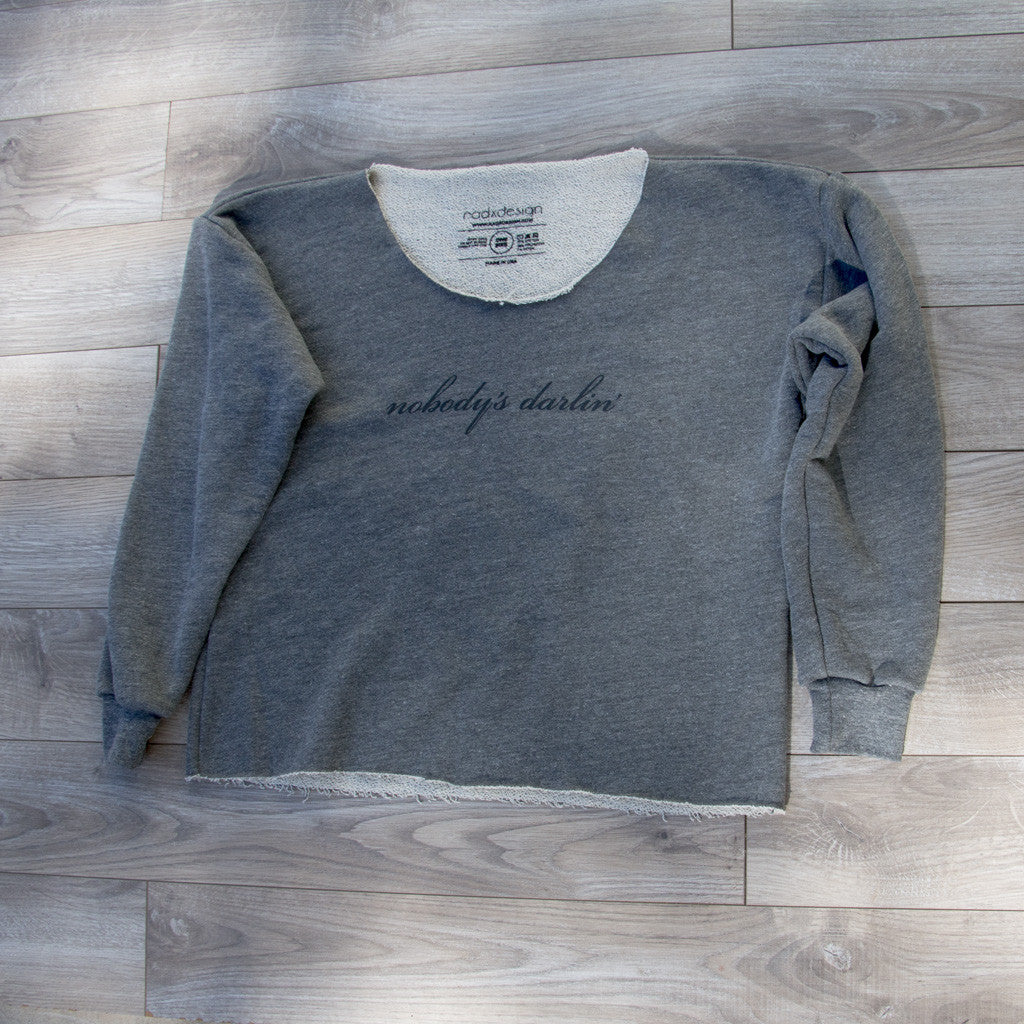 Nobody's Darlin' Loose-fitting Athletic Cropped Sweatshirt