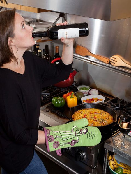 Blue Q Oven Mitt My Favourite Salad Is Wine