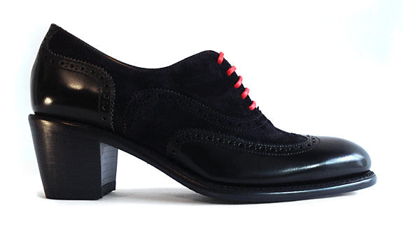 Women's Goodyear Welted Mid-heel Wingtip Black