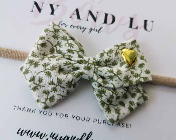 Petite Crossover Clover Bow