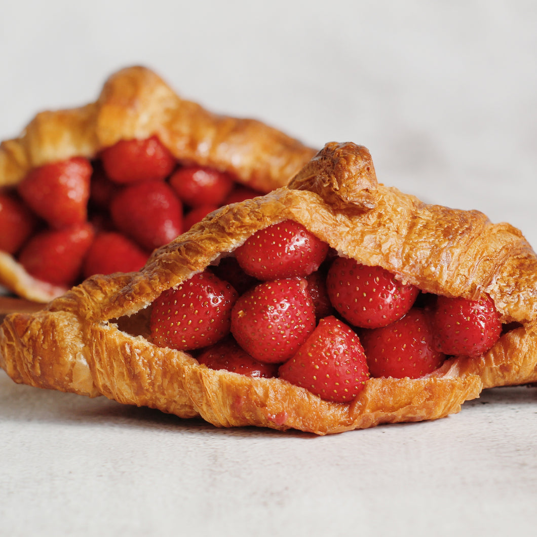 Strawberry Croissant (box of three)
