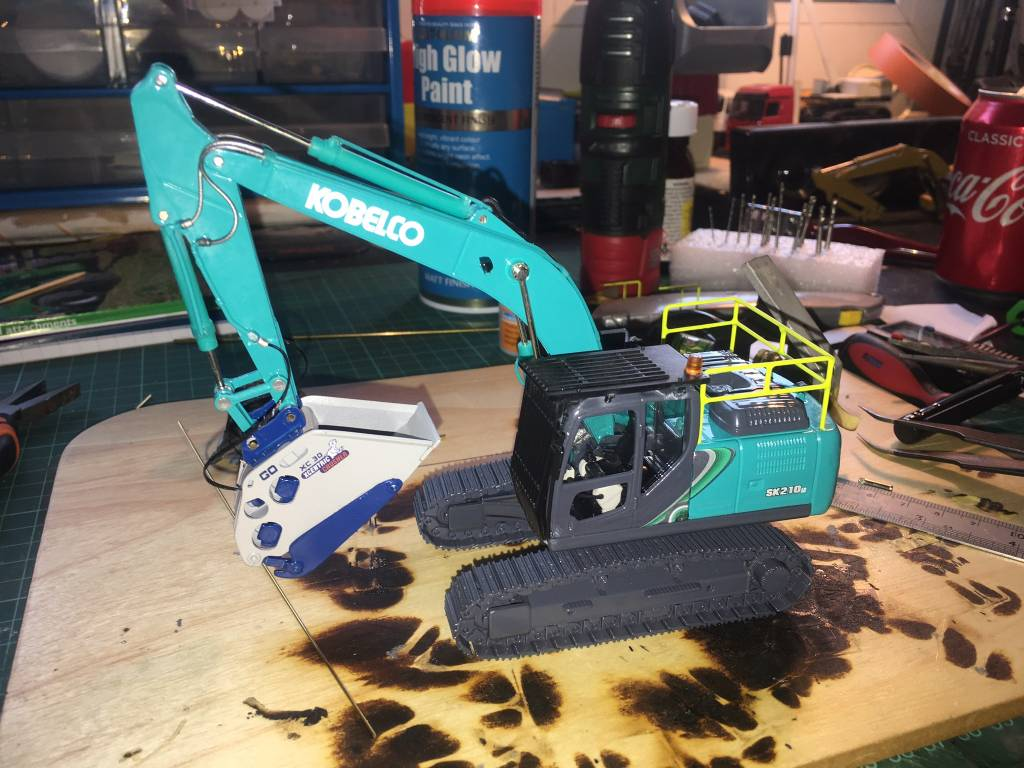 Kobelco Fan Daniel Holland tells us about his customisation of a SK210LC-10 scale model and how he did it.