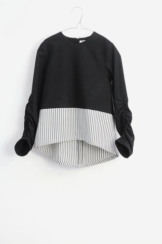 Motoreta Sora top Black and grey stripes