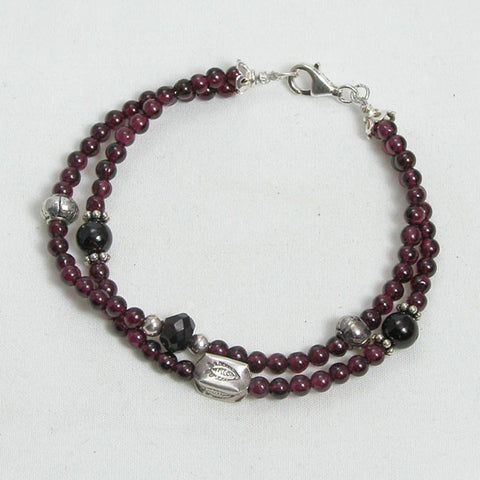 Red Garnet Gemstone and Silver Bracelet (B0099)