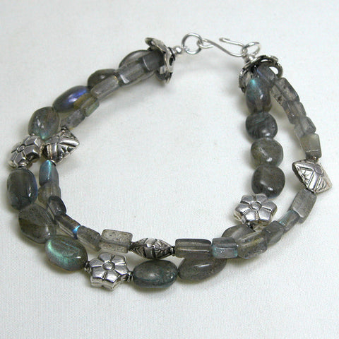 Labradorite Gemstone and Silver Bracelet (B0065)